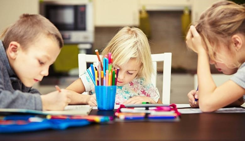 Los niños españoles tienen demasiados deberes